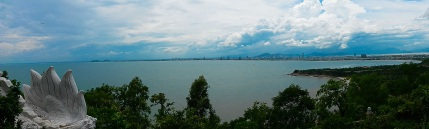 View back to Danang from Son Tra